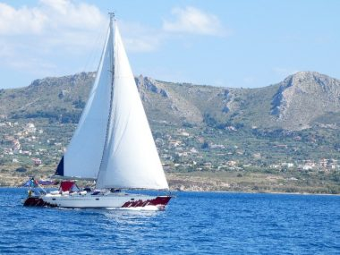 sailing-in-greece